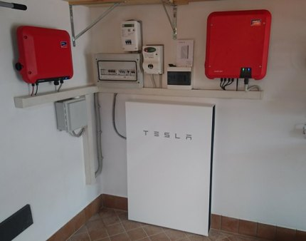 Tesla-Powerwall-2-web-1