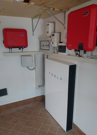 Tesla-Powerwall-2-web-2